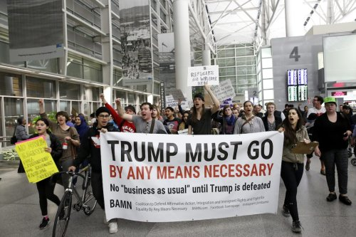 Activists stage a rally against President Donald Trump's 90-days ban of entry on 7 Muslim-majority countries at the San Francisco International Airport in San Francisco USA on January 28 2017 [Tayfun Coşkun - Anadolu Agency]