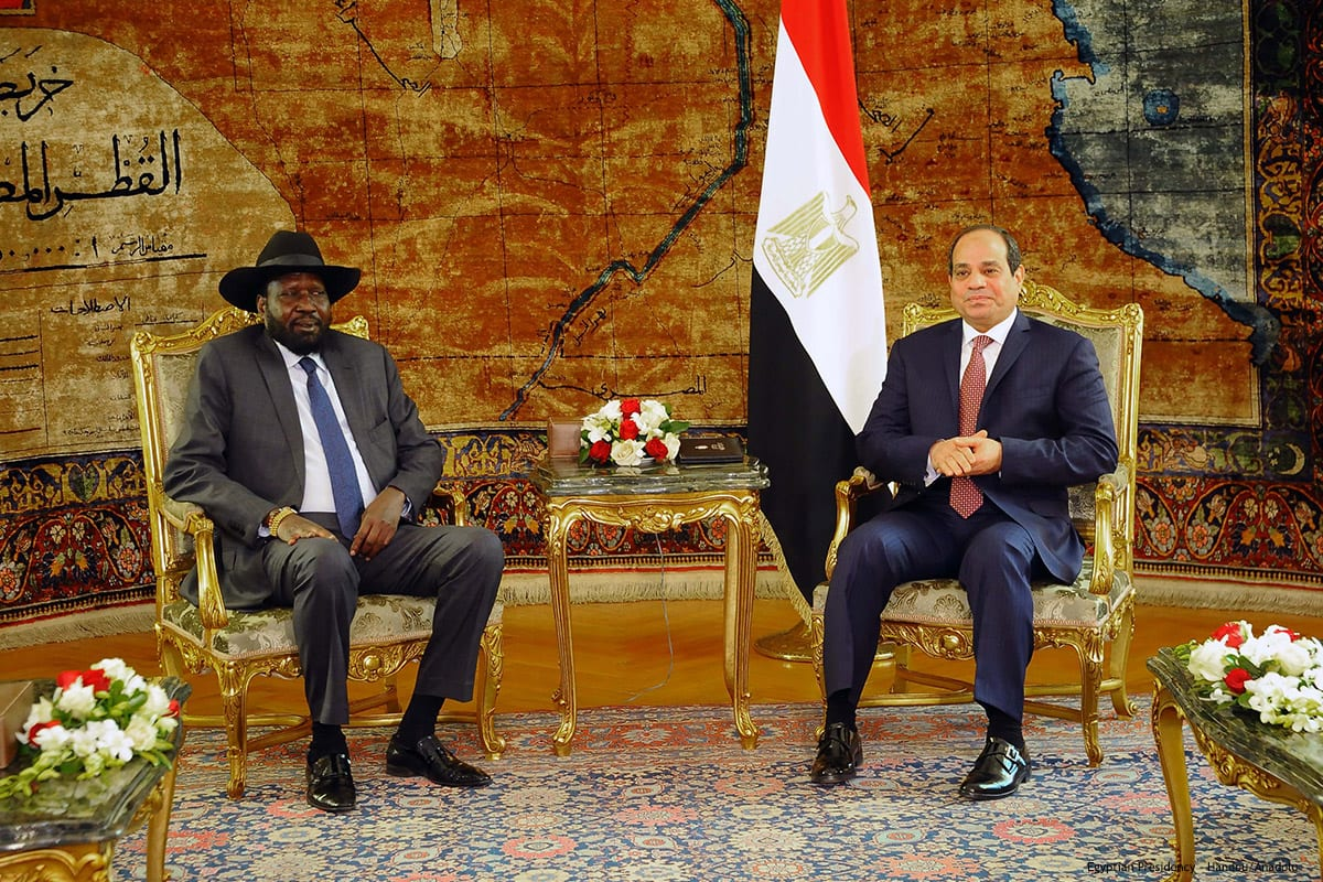 President of South Sudan, Salva Kiir Mayardit (L) is welcomed by Egyptian President Abdel Fattah el-Sisi on 10th January 2017 [Egyptian Presidency - Handout/Anadolu]