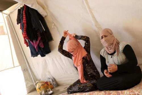 Women, who were enslaved by Daesh, found refugee in Yazda, the Yazidi-led charity aid organisation [@maankhider/Twitter]