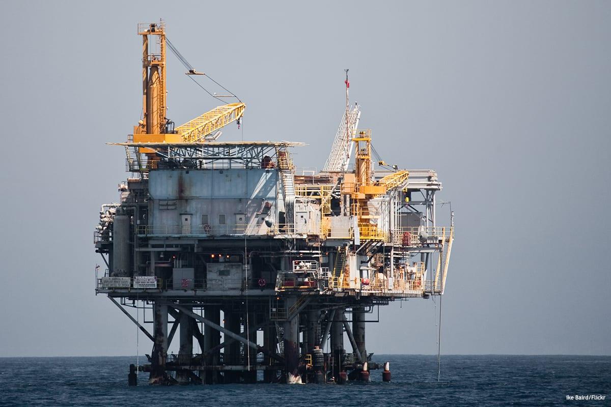Image of an Oil Drilling Platform [Mike Baird/Flickr]