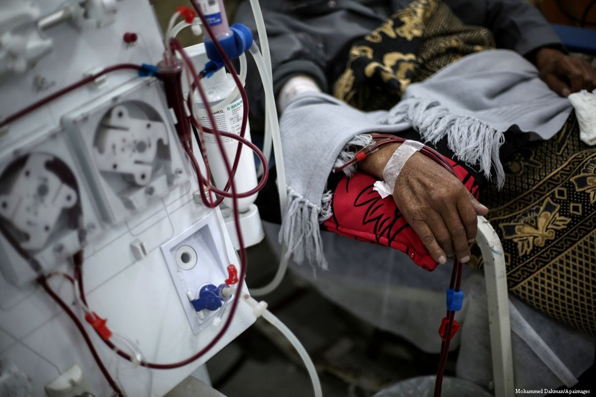Image of a Palestinian patient being treated in Gaza City on January 8, 2017 [Mohammed Dahman/Apaimages]
