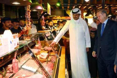 Turkish President Recep Tayyip Erdogan (2nd R) is seen at a Turkish restaurant, during a luncheon in honour of him, hosted by Qatari Emir Sheikh Tamim bin Hamad al-Thani (3rd R) in Doha, Qatar on February 15, 2017 [Kayhan Özer / Anadolu Agency]