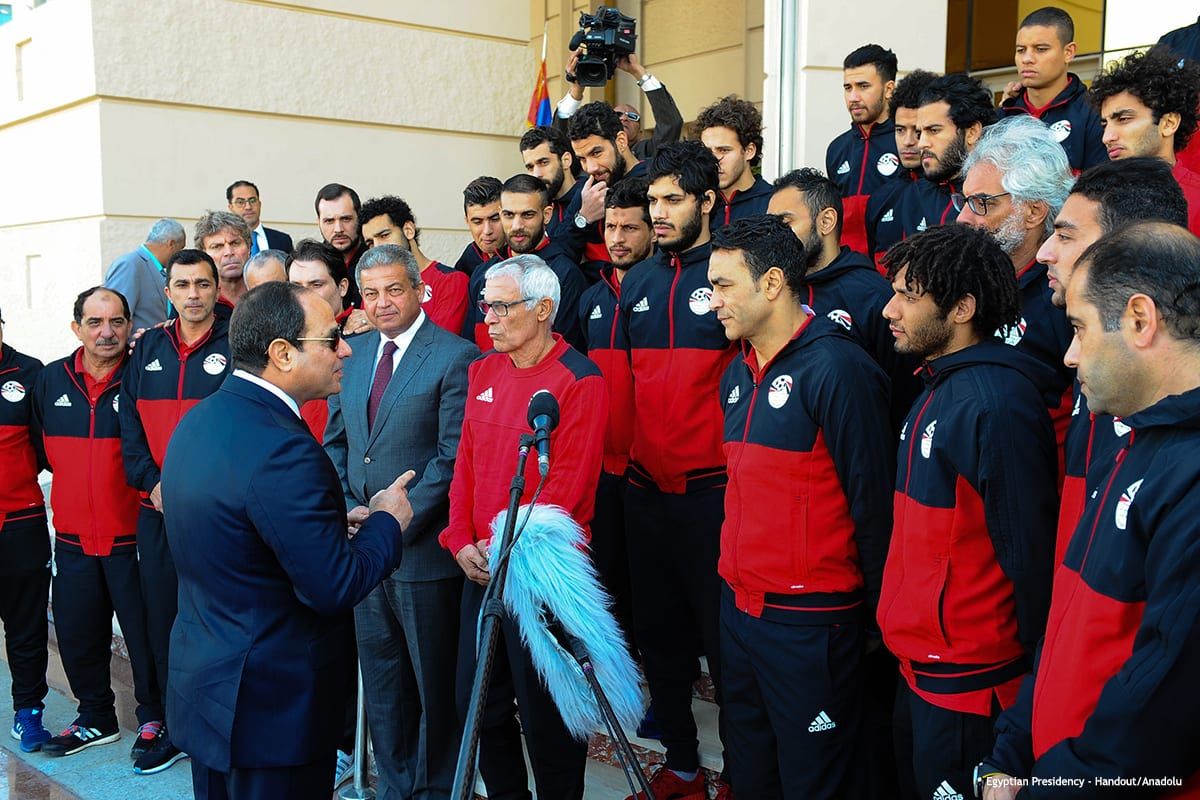 Egyptian President Abdel Fattah al-Sisi speaks with Egyptian National team members in Cairo, Egypt on February 6 2017 [ Egyptian Presidency - Handout/Anadolu]