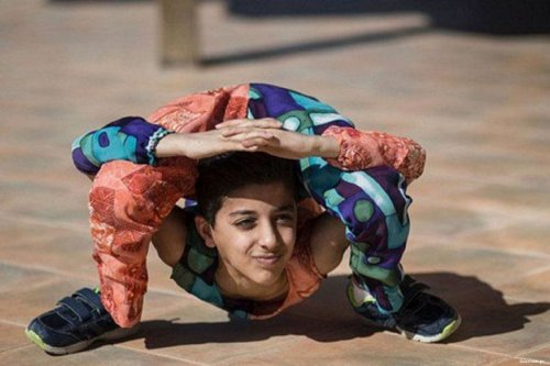 Image of Mohamed Al-Sheikh, known as Spiderboy for his physical skills and ability [felesteen.ps]