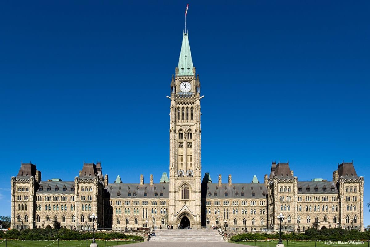 Parliament of Canada [Saffron Blaze/Wikipeda]