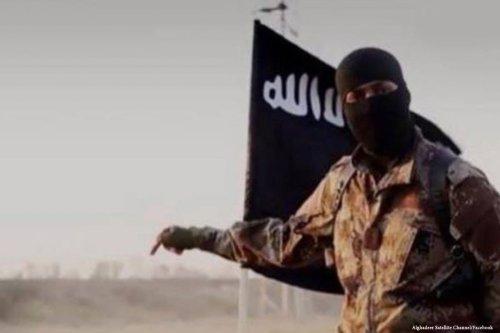 Image of a Daesh militant [Alghader Satellite Channel/Facebook]