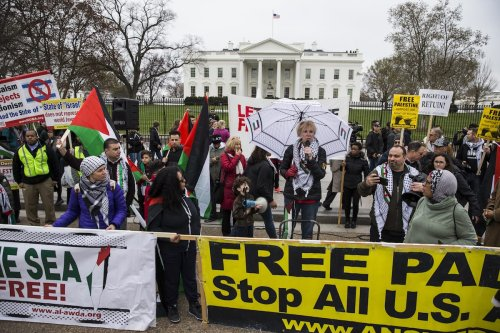 Protesters gather in support of Palestine outside of the White House during the annual American Israel Public Affairs Committee (AIPAC) conference in Washington, USA on March 26, 2017. ( Samuel Corum - Anadolu Agency )