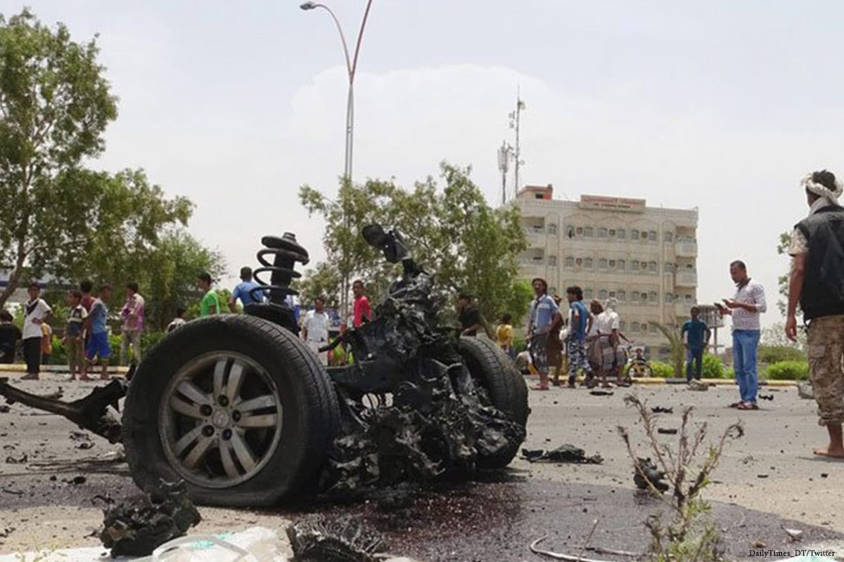 The remains of car bomb attack in Yemen on 27 March 2017 [DailyTimes_DT/Twitter]