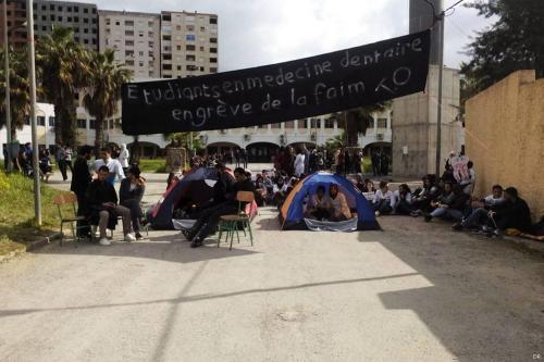 Dental students go on hunger strike in Algeria [DR]