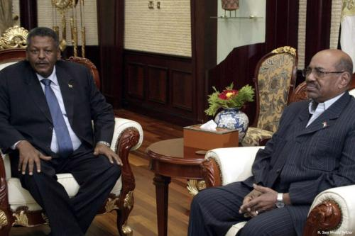 Image of Prime Minister, General Bakri Hassan Saleh (L) and Sudanese President Omar Al-Bashir [N. Sam Wroth/Twitter ]