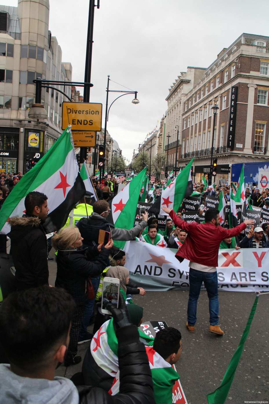 Londoners come out in solidarity with the Syrian people and their struggle against long-time ruler Bashar Al-Assad in London, March 18, 2017 [Mohammed Deghayes / Middle East Monitor]