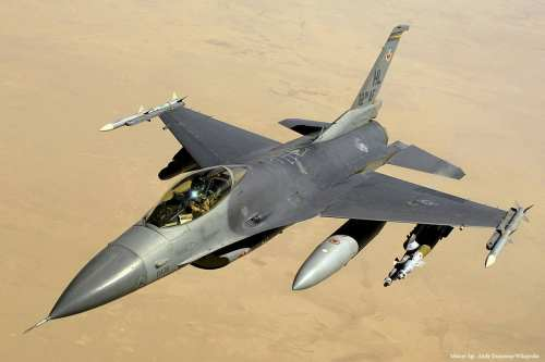 Image of a F-16 fighter jet [Master Sgt. Andy Dunaway/Wikipedia]