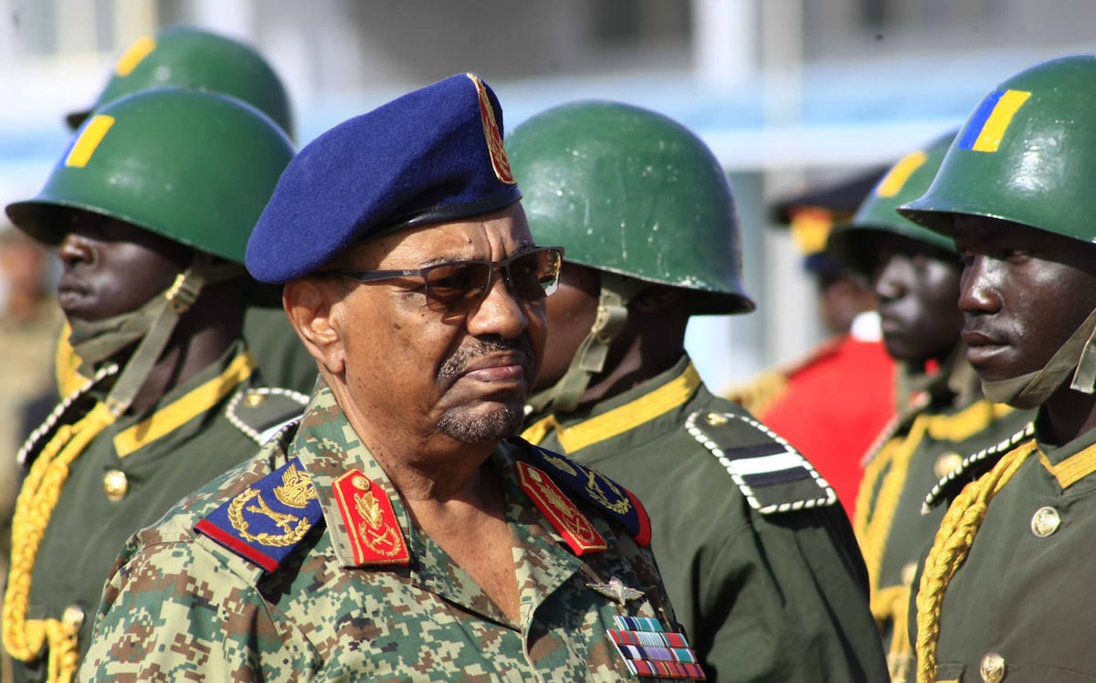 Sudanese President Omar al-Bashir attends the joint Sudan and Saudi Arabia air force drill in Khartoum, Sudan on April 9, 2017 [Ebrahim Hamid/Anadolu Agency]