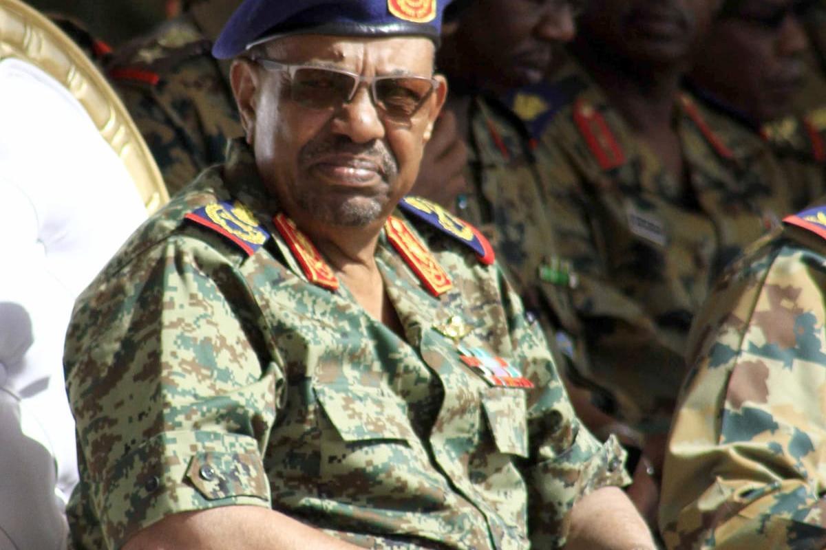 Sudanese President Omar al-Bashir attends the joint Sudan and Saudi Arabia air force drill in Khartoum, Sudan on 9 April, 2017 [Ebrahim Hamid/Anadolu Agency]