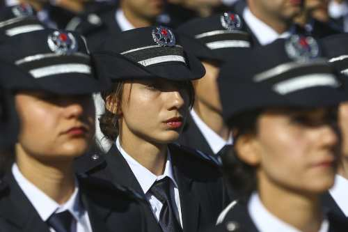 Turkish National Police Academy students celebrate the anniversary of the Turkish Police Department on April 10, 2017. ( Erçin Top - Anadolu Agency )