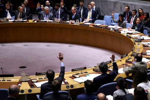 Members of the United Nations (UN) Security Council hold a vote on a resolution condemning the chemical attack in Syria's Idlib on April 12, 2017 ( Volkan Furuncu/Anadolu Agency )