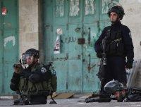 HEBRON, WEST BANK - APRIL 27: Israeli Security Forces intervene in a demonstration held in support of Palestinian prisoners in Israeli jails, in Hebron, West Bank on April 27, 2017. ( Mamoun Wazwaz - Anadolu Agency )