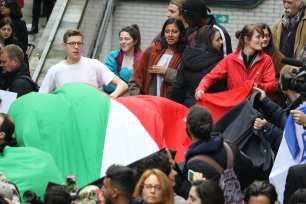 SOAS students protest against Israeli ambassador Mark Regev in London on April 27, 2017 [Jehan Alfarra/Middle East Monitor]