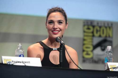 Gal Gadot speaking at the 2015 San Diego Comic Con International in San Diego USA on 11 July, 2015 [Gage Skidmore/FlickR]