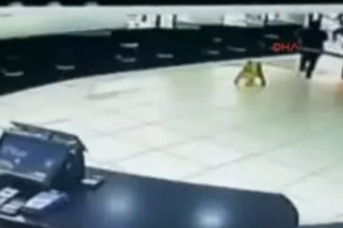 CCTV screenshot of McDonald's employee who poured boiling water on Syrian child in Turkey on 10 May, 2017 [Cumhuriyet TV]