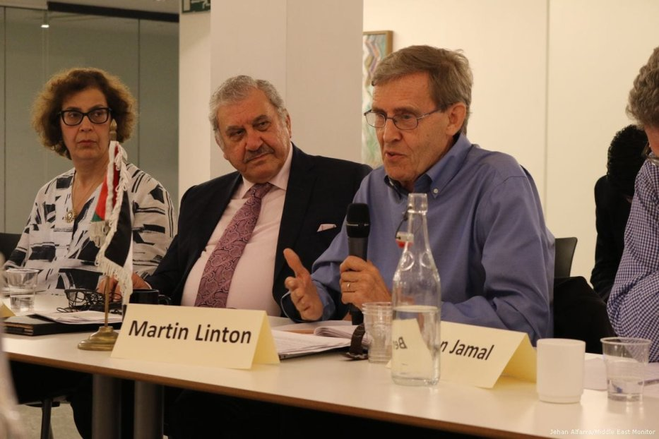 mage of Martin Linton (C) at the Europal forum round-table discussion on UK policy towards Palestine on 23rd May 2017 [Jehan Alfarra/Middle East Monitor]