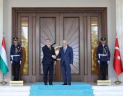 Turkish Prime Minister Binali Yildirim welcomes Hungary's Prime Minister Viktor Orban in Ankara, Turkey on 30 June 2017 [Turkish Prime Ministry / Mustafa Aktas / Handout/Anadolu Agency]