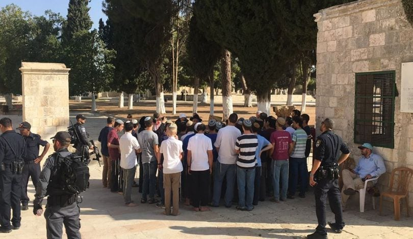 125 Jewish settlers entered the courtyards of Al-Aqsa Mosque on 19 September, 2017 [qudspress]