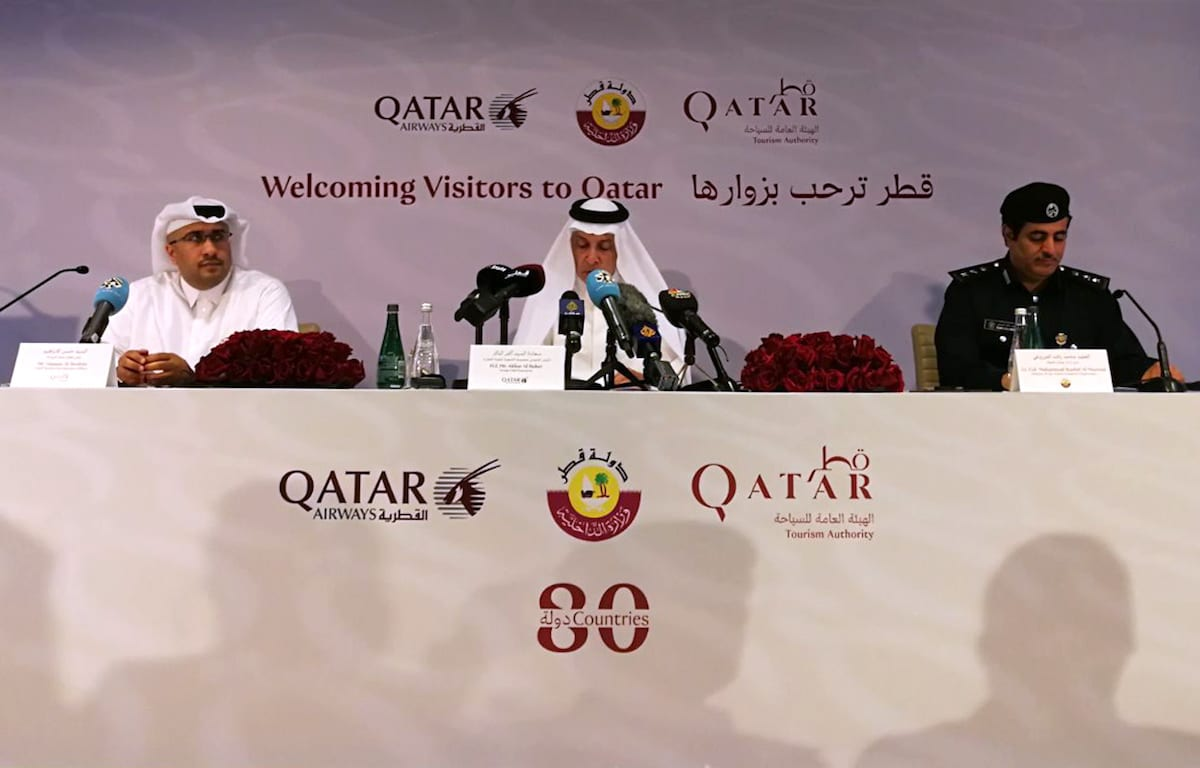 Chief Tourism Development Officer at Qatar Tourism Authority, Hassan Al Ibrahim (L), the CEO of Qatar Airlines, Akbar Al Baker (C) and director of the Airport Passports Department, Colonel Rashid al-Mazrouei (R) participate in a joint press conference regarding the visa-free entry for citizens of 80 countries, on August 09, 2017 in Doha, Qatar. ( Ahmed Youssef Elsayed Abdelrehim - Anadolu Agency )