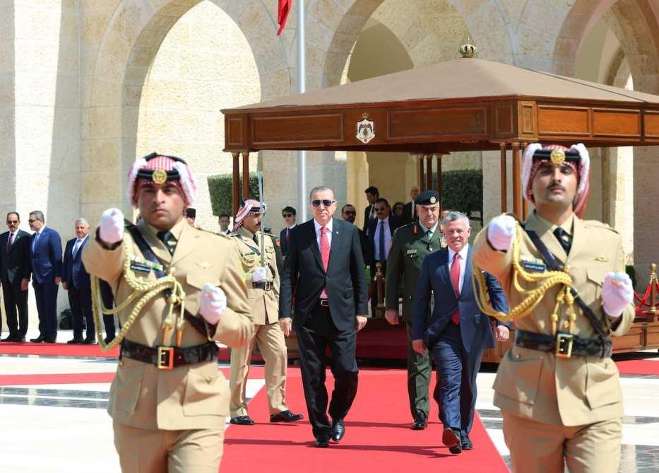 An official ceremony held by Royal Jordanian Honor Guards due to President of Turkey, Recep Tayyip Erdogan's arrival at Raghadan Palace in Amman, Jordan on 21 August, 2017 [Okan Özer/Anadolu Agency]