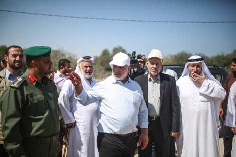Deputy Minister of Interior Affairs of Palestine, Tevfik Ebu Naim (C) informs a committee of Palestinian Legislative Council in Gaza City, Gaza on 23 August 2017 [Mustafa Hassona/Anadolu Agency
