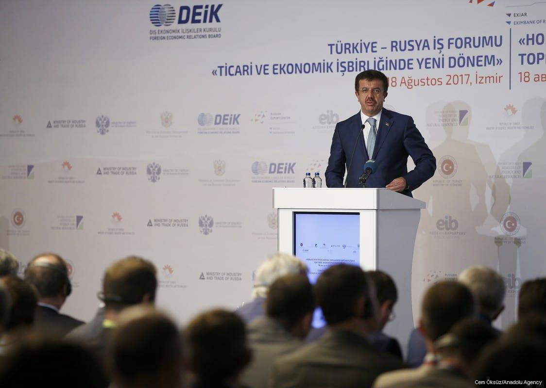 Turkish Economy Minister Nihat Zeybekci delivers a speech during Turkey-Russia business forum in Izmir, Turkey on 18 August, 2017 [Cem Öksüz/Anadolu Agency]