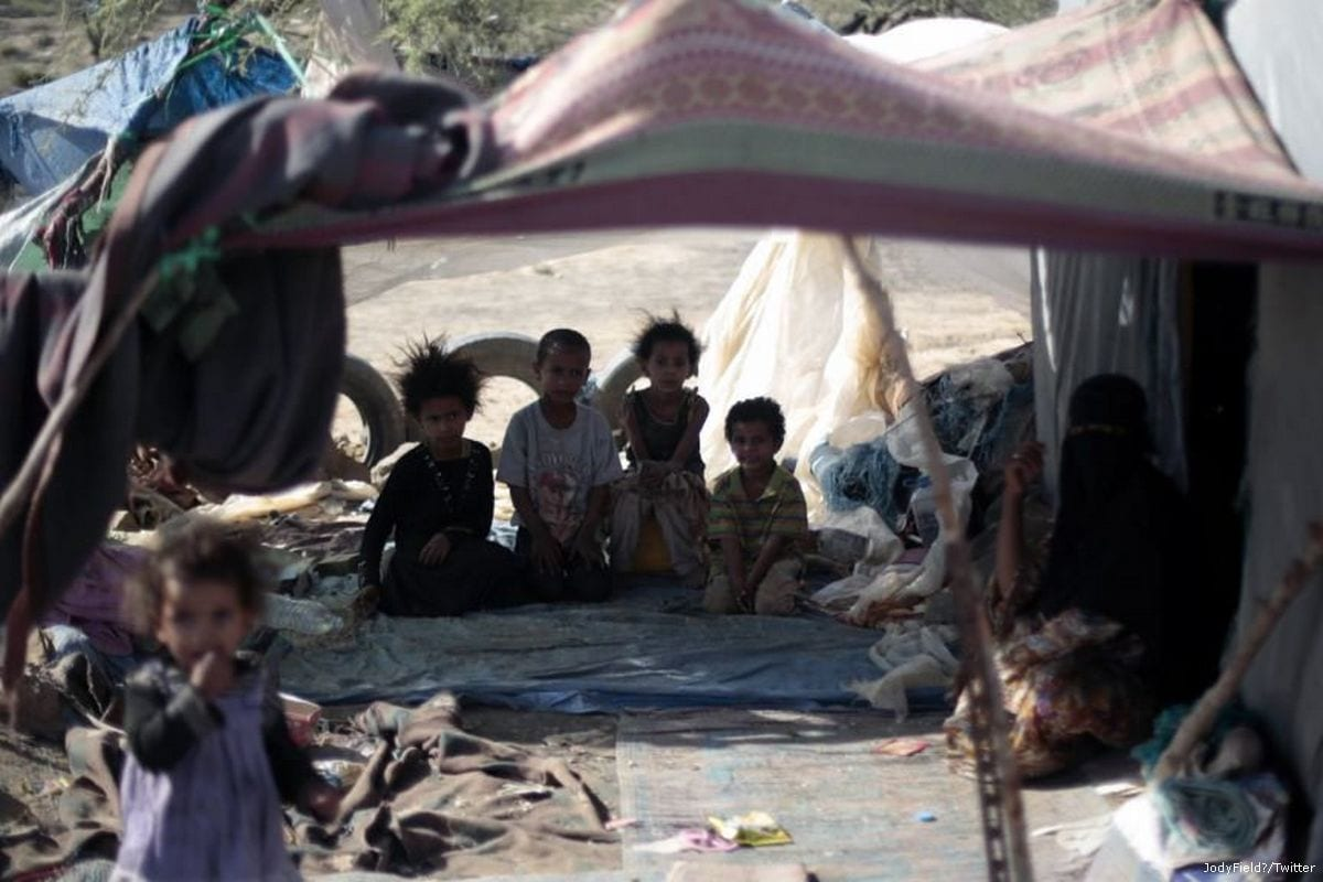 Yemeni children at a camp due to the humanitarian crisis Yemen is facing [JodyField‏/Twitter]