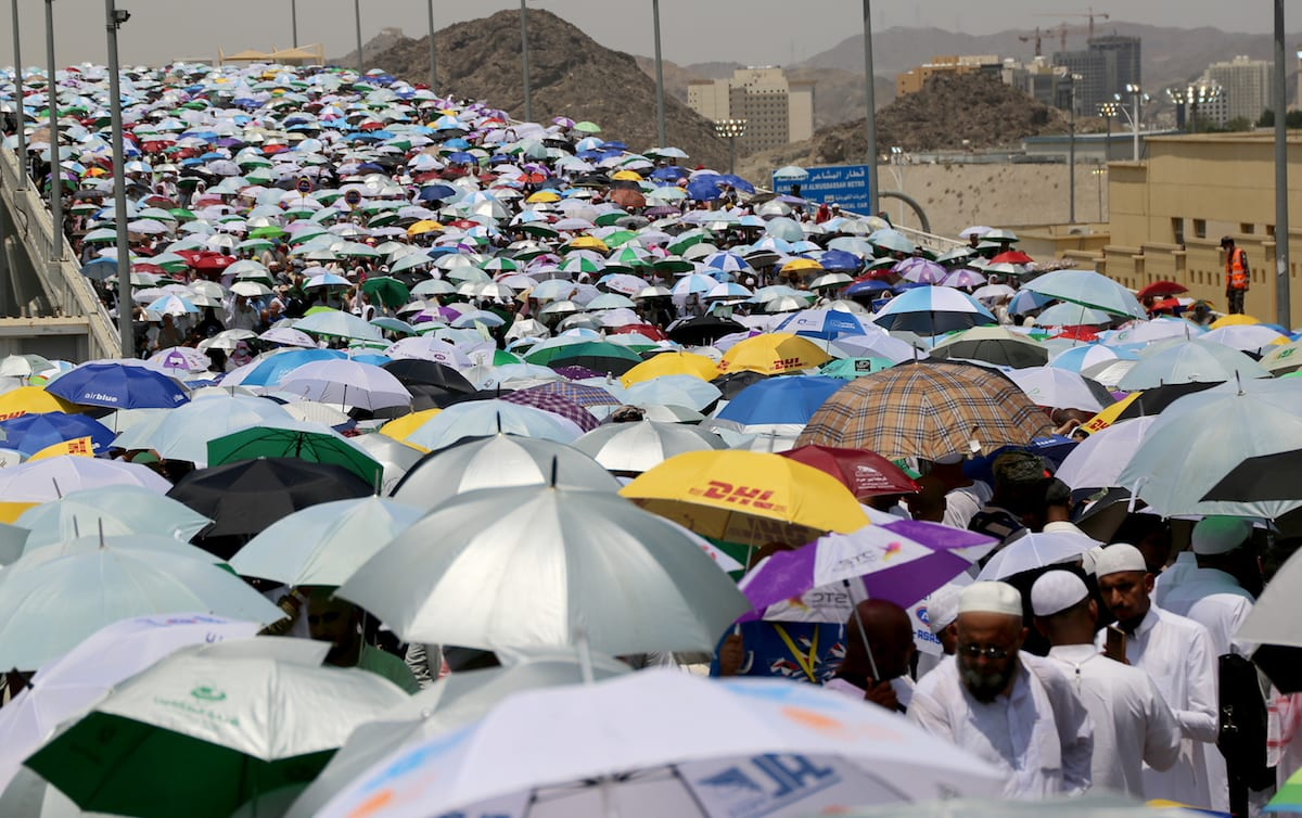 Prospective pilgrims arrive to stone Jamarat pillars that symbolize the devil as a part of the annual Islamic Hajj pilgrimage during the first day of Eid Al-Adha (Feast of Sacrifice) in Mecca, Saudi Arabia on 4 September, 2017 [Ramazan Turgut/Anadolu Agency]