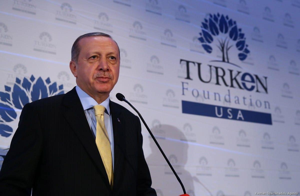 Turkish President Recep Tayyip Erdogan speaks during a dinner hosted by TURKEN Foundation in New York, United States on 20 September, 2017 [Kayhan Özer/Anadolu Agency]