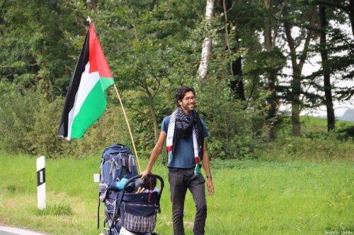 Swedish activist Benjamin Ladra begins #WalkToPalestine campaign [Benjamin Ladraa]