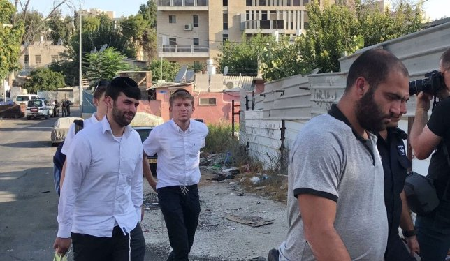 Settlers were escorted into the property of the Palestinian Shamasna family in occupied East Jerusalem on 5 September 2017 after the Arab family were forcefully evicted by Israeli occupation forces.