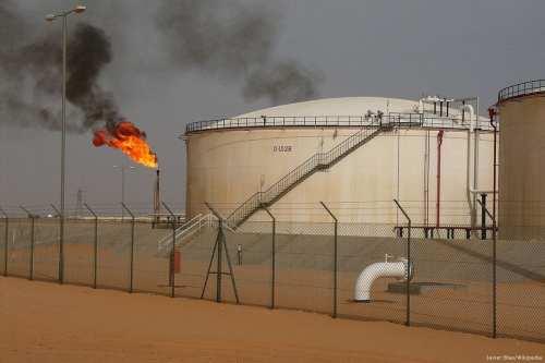Oil field in Libya [Javier Blas/Wikipedia]
