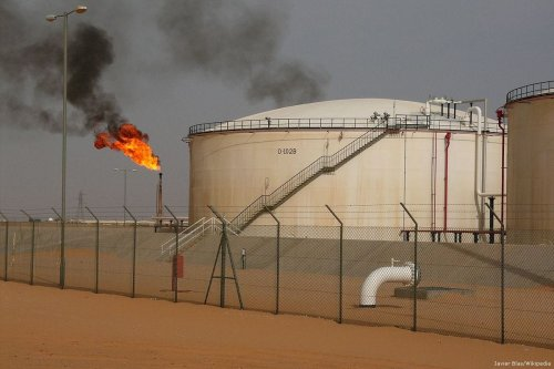 Oil field in Libya [Javier Blas/Wikipedia]