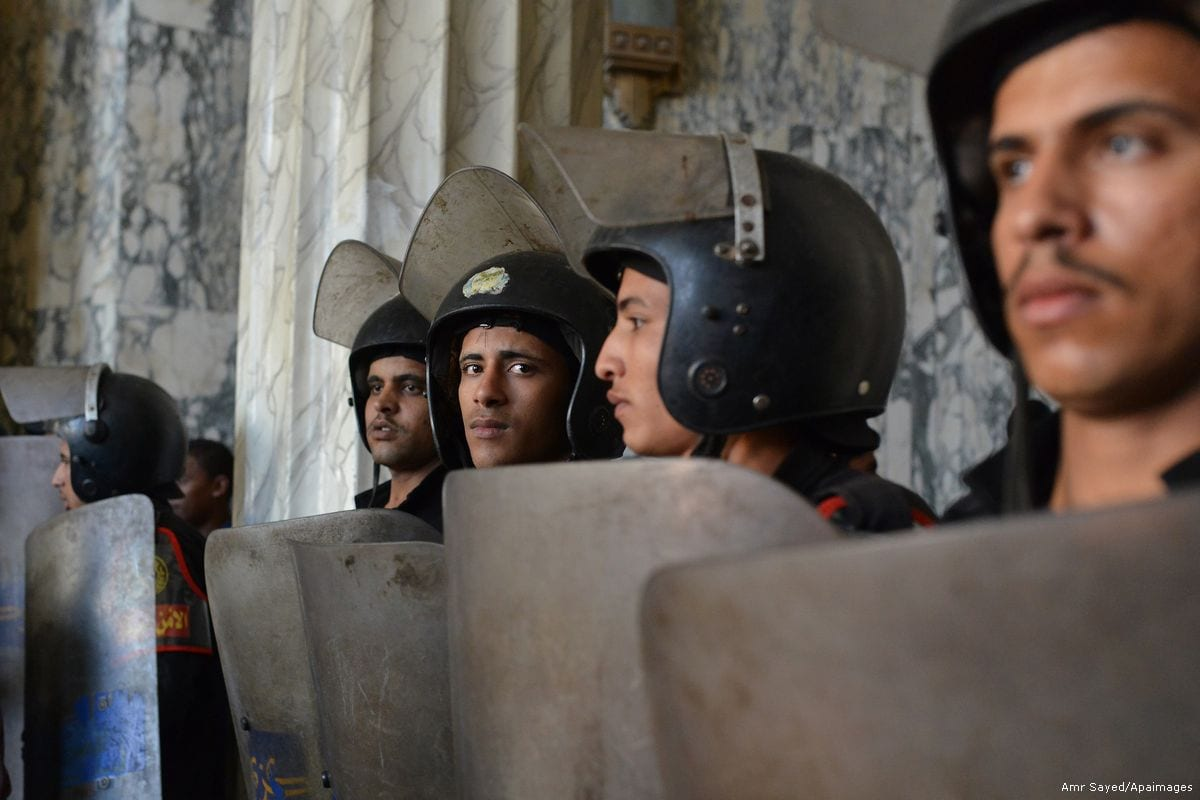 Egyptian policemen [Amr Sayed/Apaimages]