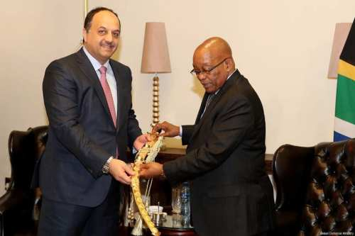 Minister of State for Defence of Qatar, Khalid Bin Mohammad Al Attiyah (L) presents a decorative saber to Jacob Zuma (R), President of South Africa during their meeting in Pretoria, South Africa on 1 November 2017. [Qatari Defence Ministry]