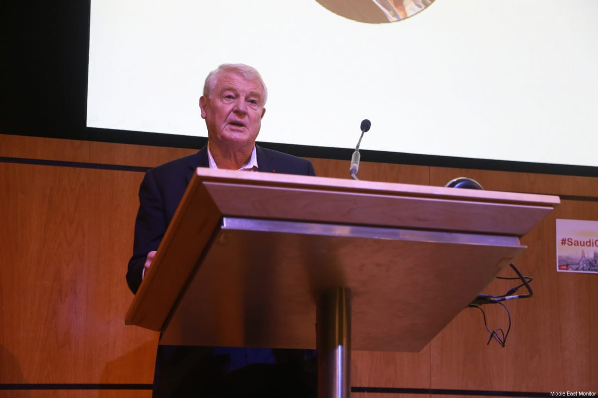 Lord Paddy Ashdown, the former Leader of the Liberal Democrats addresses delegates at MEMO's 'Saudi in Crisis' conference, on November 19, 2017 [Middle East Monitor]