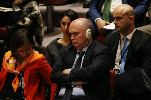 Turkey's permanent representative to the United Nations Feridun Sinirlioglu (C), during the UN Security Council meeting in New York, United States on 18 December 2017 [Mohammed Elshamy/Anadolu Agency]
