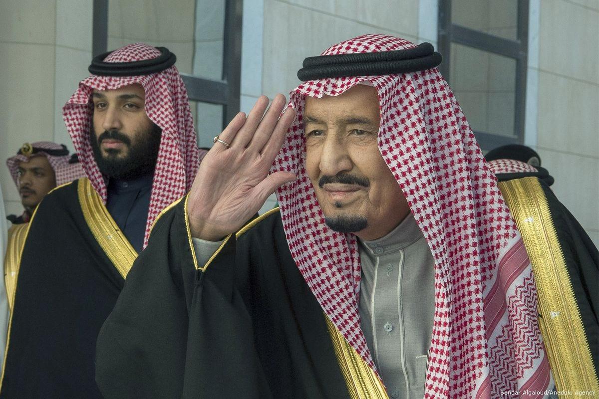 Saudi Arabian King Salman bin Abdulaziz Al Saud (L) and the Crown Prince Mohammed bin Salman Al Saud in Riyadh, Saudi Arabia on 13 December 2017 [Bandar Algaloudl/Anadolu Agency]