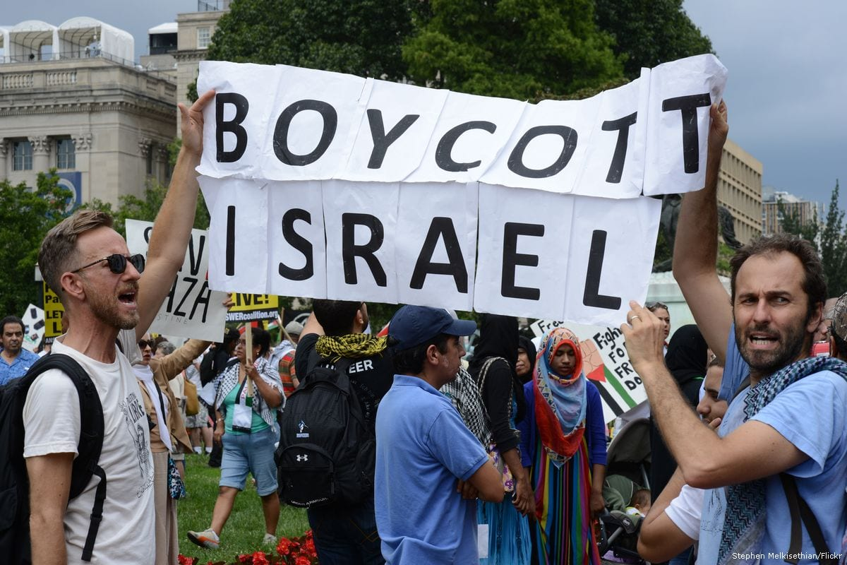 Activists attend a pro BDS march [Stephen Melkisethian/Flickr]