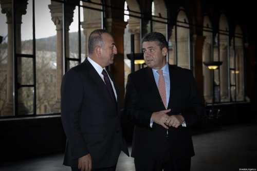 Foreign Affairs Minister of Turkey Mevlut Cavusoglu (L) and Foreign Affairs Minister of Germany Gabriel Sigmar (R) visit the Kaiserpfalz Imperial Palace in Goslar, Germany on January 06, 2018 [Cem Özdel / Anadolu Agency]