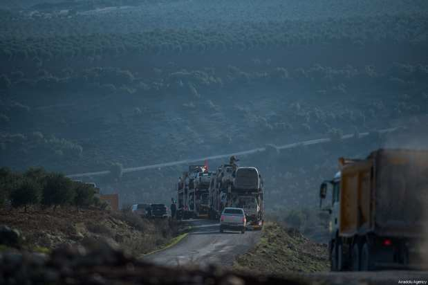Free Syrian Army units head towards the areas, held by PYD/PKK, on January 20, 2018 in Kilis, Turkey [Kerem Kocalar / Anadolu Agency]