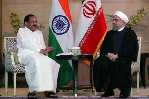 Iranian President Hassan Rouhani (R) attends a meeting with Vice-President of India Venkaiah Naidu (L) in New Delhi, India on February 17, 2018 [Iranian Presidency / Handout / Anadolu Agency]