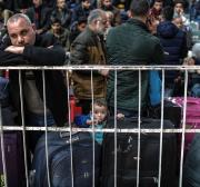 Palestinians stranded after Egypt closes Rafah crossing