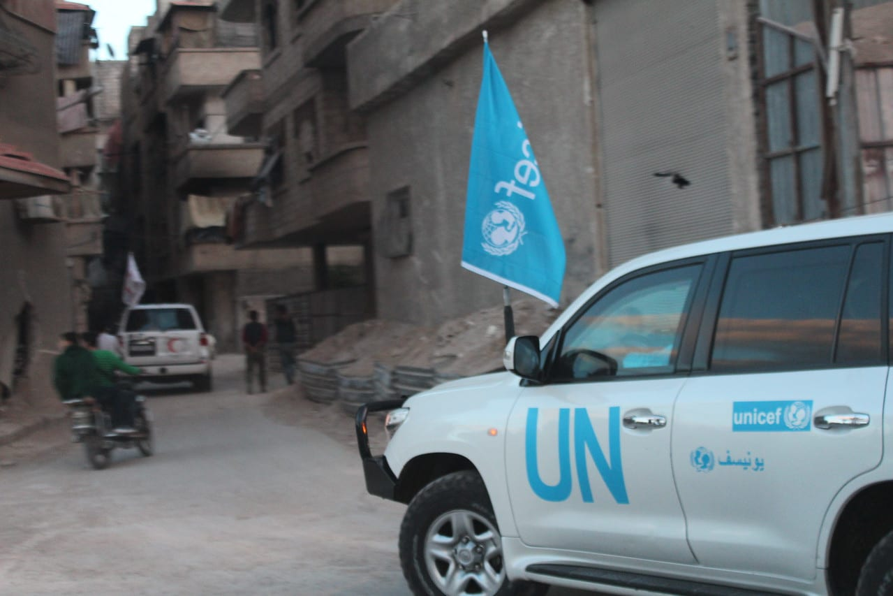 United Nations  aid convoy enters area of Damascus under siege