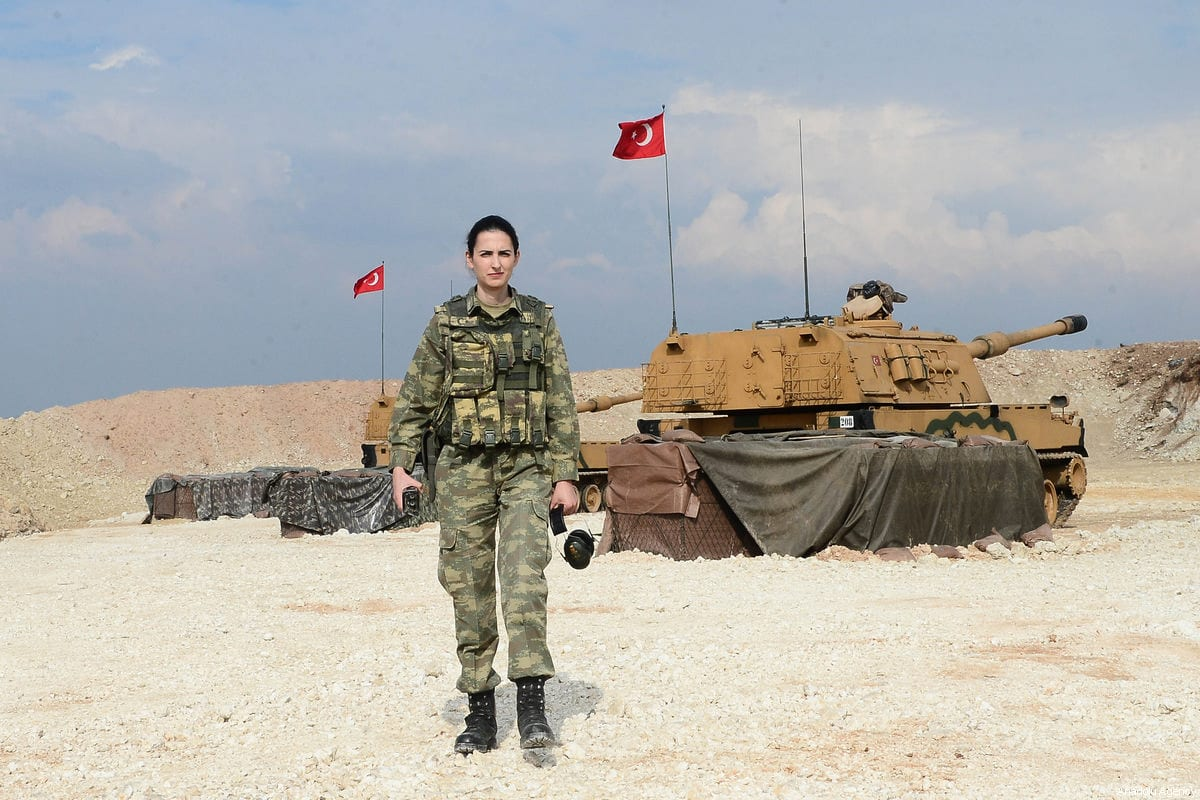 "An artillery captain Dilek Aygun poses for a photo as she takes part in the Turkish military's ""Operation Olive Branch"" in Afrin, Syria on February 27, 2018 [Soner Kılınç / Anadolu Agency]"